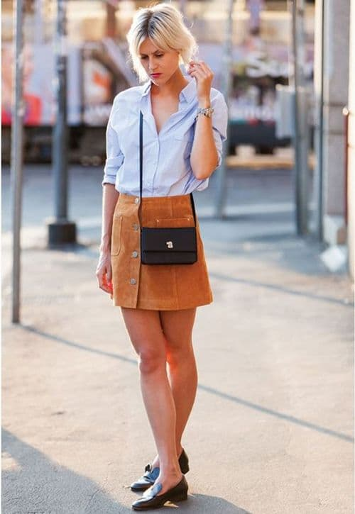 Chân váy màu nâu kết hợp với áo màu gì để hợp thời trang nhất