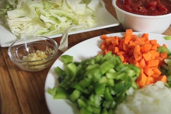 Chế độ ăn kiêng đơn giản với bắp cải
