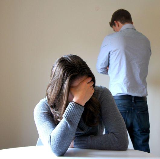 Dù còn yêu nhưng vẫn chấp nhận ly hôn trong nước mắt