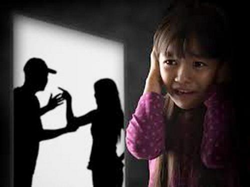 Con trẻ mong không còn bạo lực gia đình