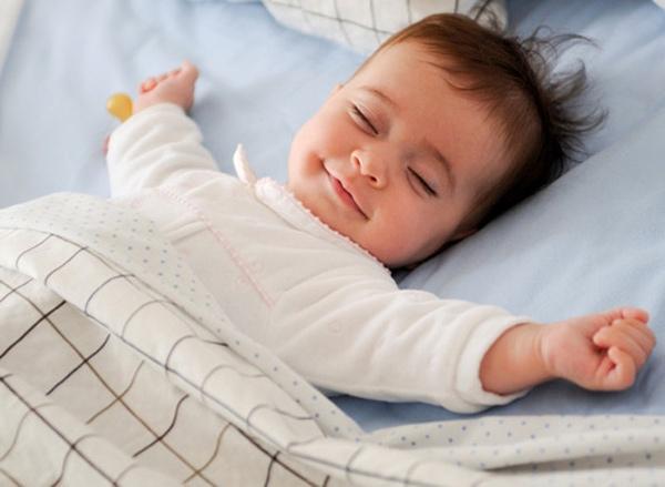 Không được rung lắc khi bé ngủ