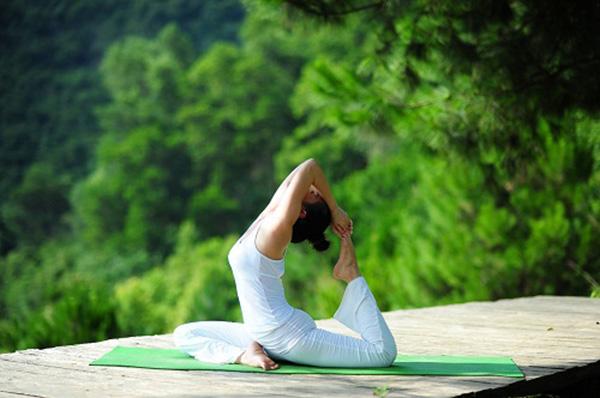 Yoga và tác dụng của yoga với chị em phụ nữ