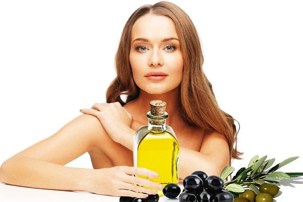 Da trắng hồng không tì vết nhờ tắm bằng dầu olive