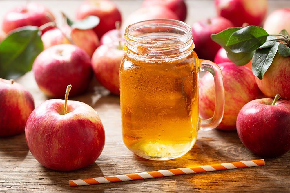 giảm cân không tinh bột: nước ép táo