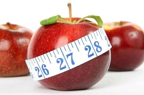 nước ép trái táo để da mịn, tan mỡ bụng siêu tốc