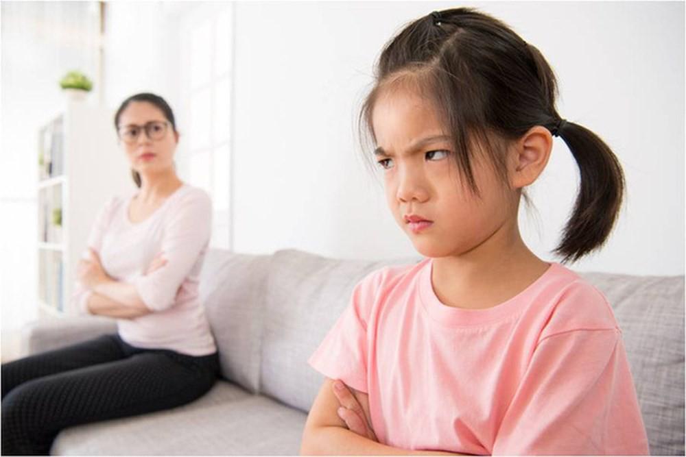 cách úng xử của cha mẹ nói khi con không nghe lời