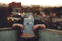 Phụ nữ đừng biến mình thành kẻ đáng thương sau khi thất tình, nên tránh xa những điều này ra nhé
