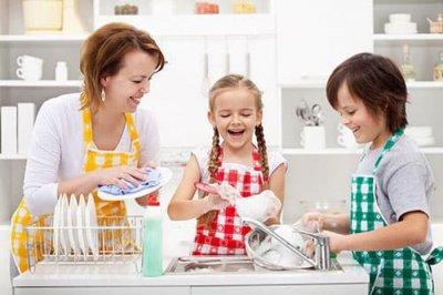 Chỉ cần mẹ thử 3 mẹo nhỏ này, con sẽ thích rửa chén đĩa ngay