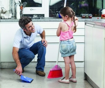 Nên hay không để trẻ làm việc nhà